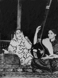 Siddeswari Devi with daughter Savita Devi, photo courtesy of Susheela Misra in her book Great Masters of Hindustani Music