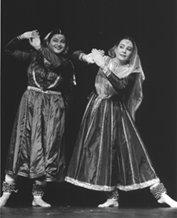 Dancers Rani Khanam & Janaki Patrik. Photographer: Karen Robbins